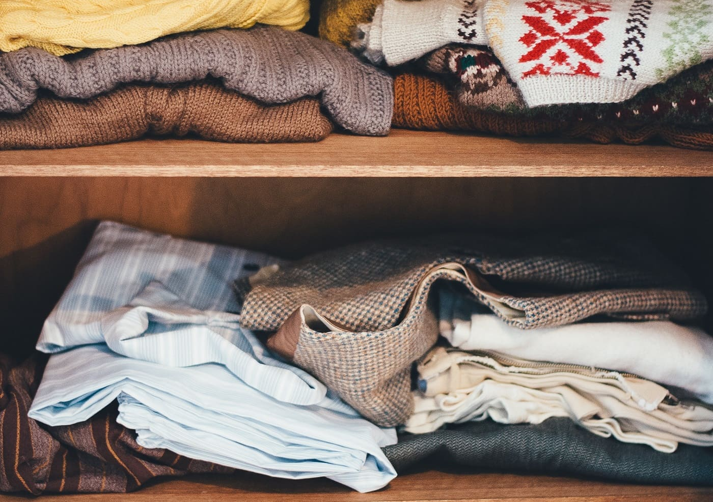 declutter moving clothes