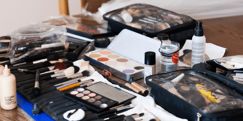 How to store makeup 3